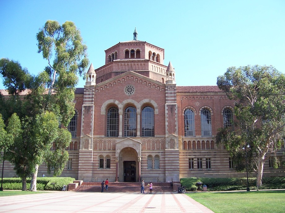 Large powell library  ucla